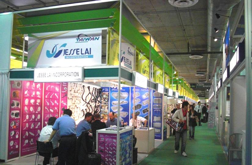 2009-olily-AAPEX-