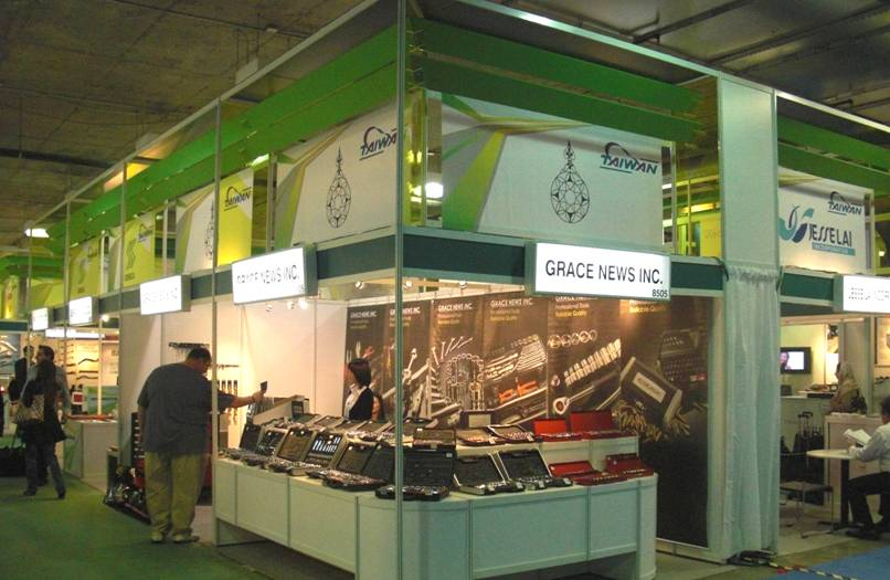 2009-olily-AAPEX-2
