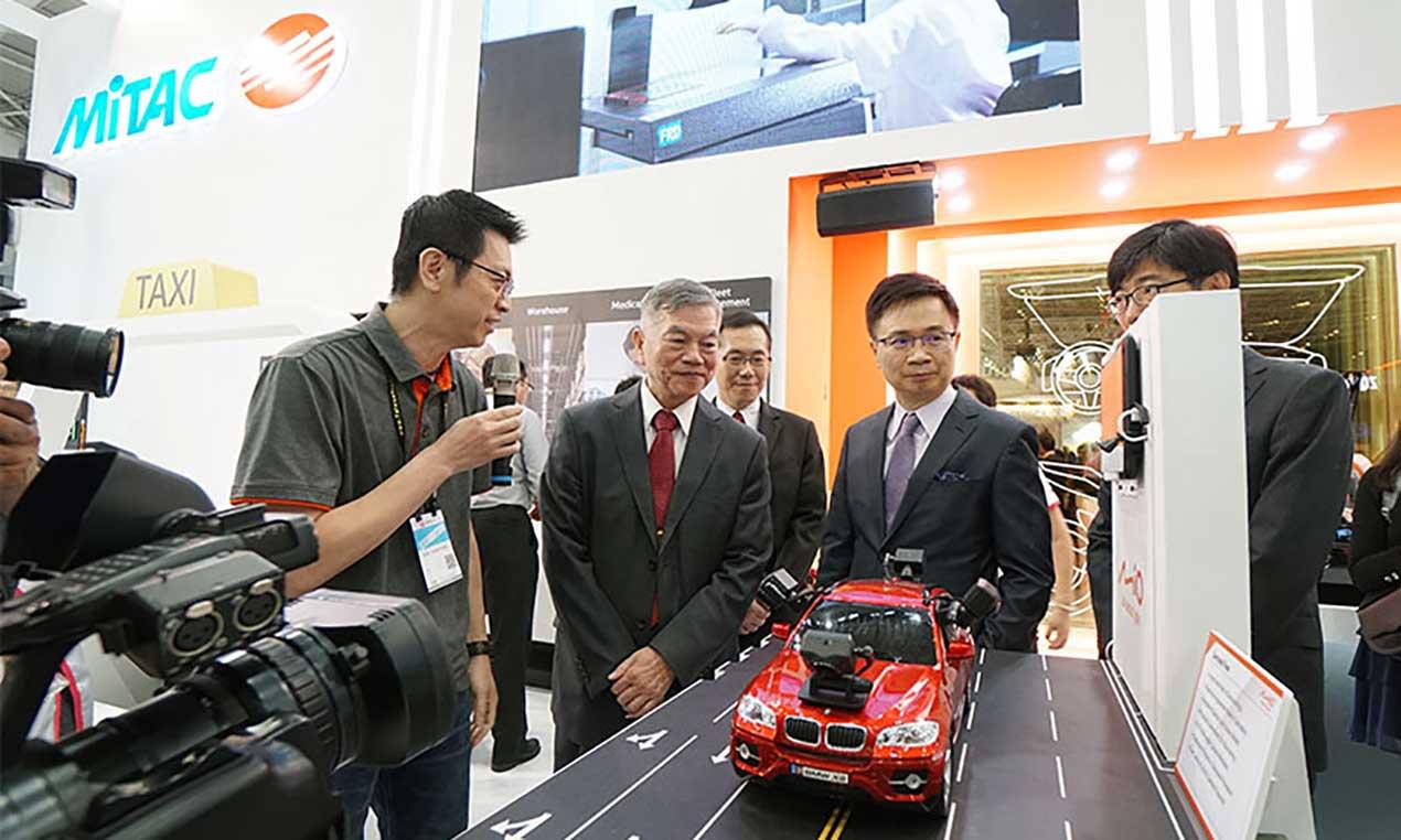 台北國際電腦展COMPUTEX展品依不同情境設計陳設方式的展覽設計