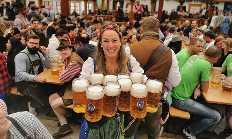 啤酒節服務生